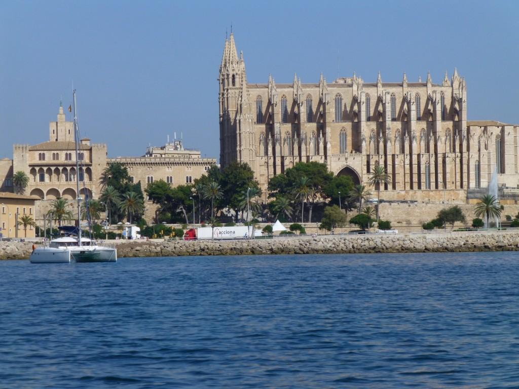 Cathédrale de Palma, Tamouré au mouillage